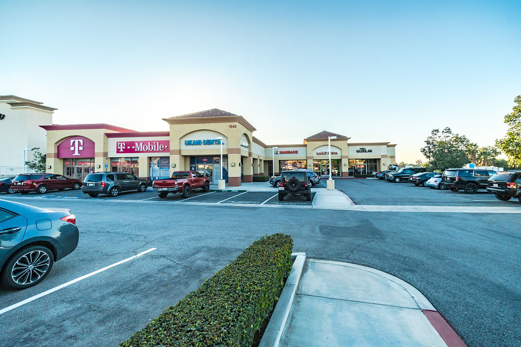FOR LEASE: NORCO GATEWAY CENTER